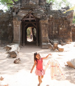 Child Street Hawker in Angkor Wat and other annoying types in developing countries